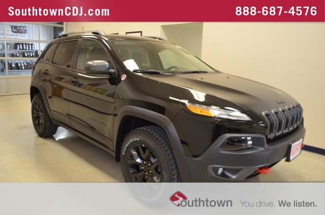 new 2018 jeep cherokee trailhawk sport utility in indianola 8990050 southtown chrysler dodge. Black Bedroom Furniture Sets. Home Design Ideas